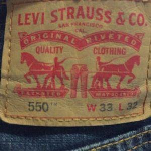 550 Levi's 33x32